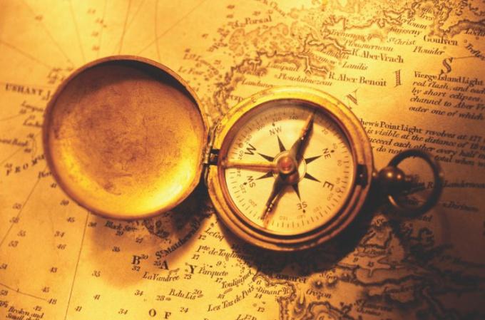 Когда и где появился первый компас