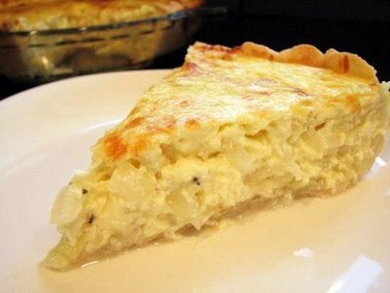 Открытый пирог с яйцом и сметаной рецепт