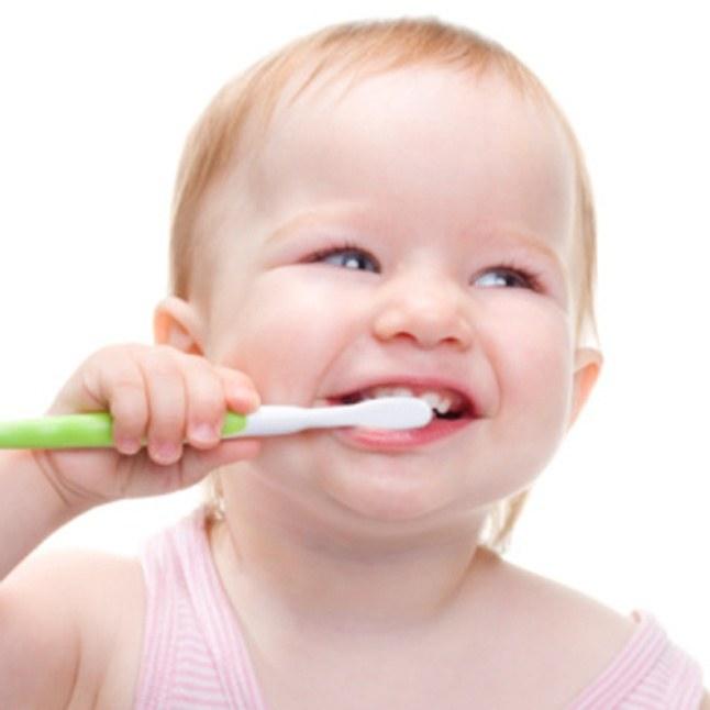 первая зубная паста