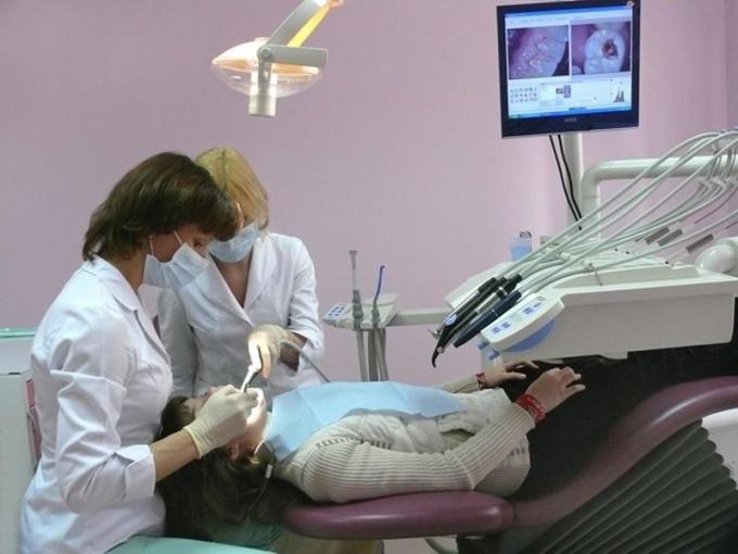 Чем занимается стоматолог-хирург