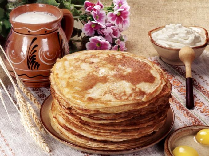 Блины по праву считаются гордостью русской национальной кухни