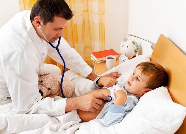 Антибиотики ребенку дают только по назначению врача
