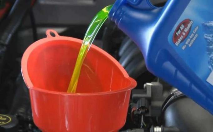 Тосол - охлаждающая жидкость для мотора машины