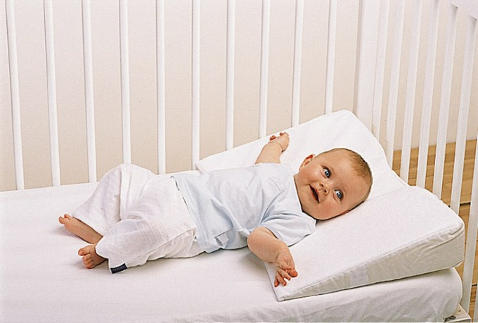 When to give baby pillow