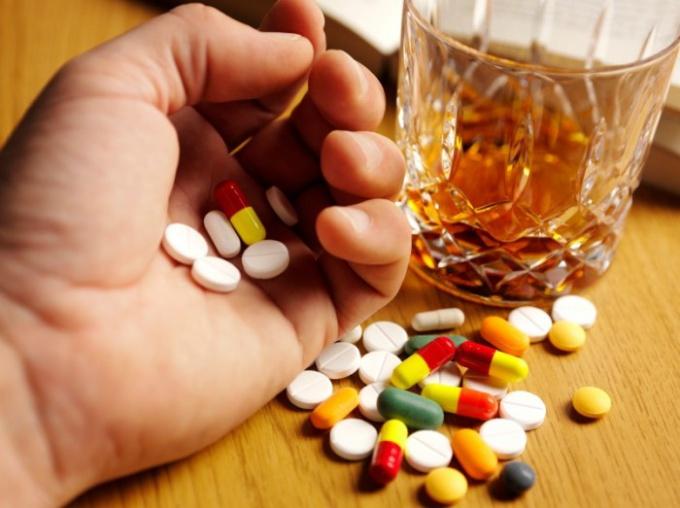 Какие таблетки пить от алкоголизма чтобы не пить