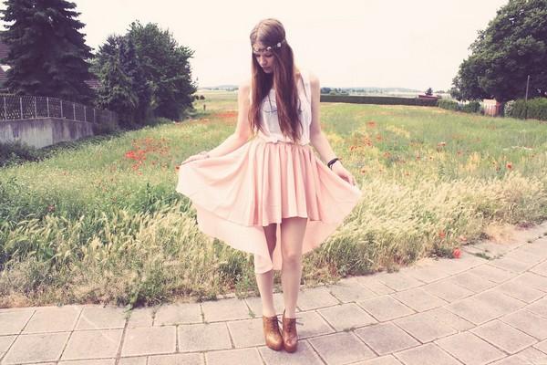 Асимметричные юбки со шлейфом: как выбрать и с чем носить