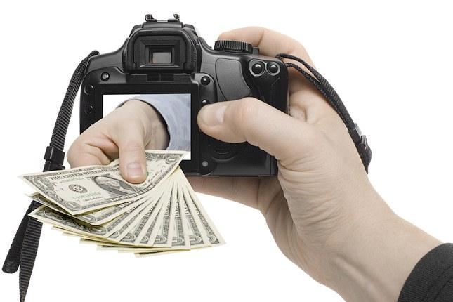 На каком сайте можно продать свои фото