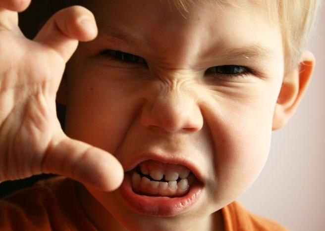 Вербальная агрессия несет отрицательное речевое воздействие