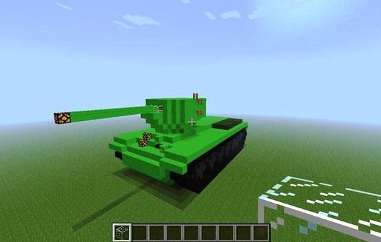 Танк в Minecraft - столь же опасное оружие, как и в реальности