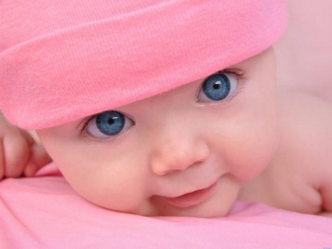 Почему меняется цвет глаз у младенца