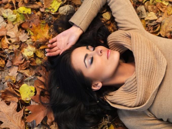 Чем подпитать волосы осенью