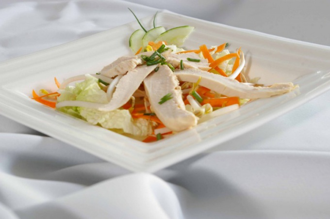 Простой салат может быть красивым и оригинальным