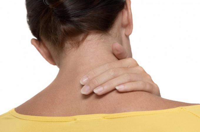 Как разогнать застои в шее