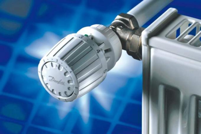 Радиатор отопления с регулятором протока