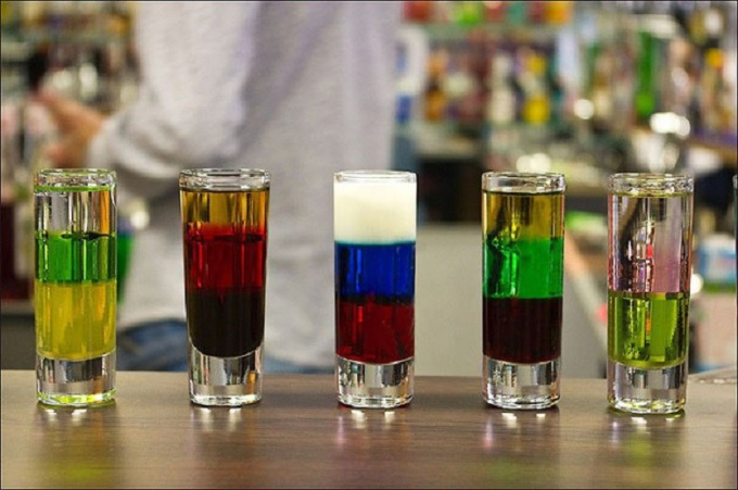 Опыт с цветными жидкостями