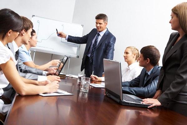 Какие функции выполняет руководитель