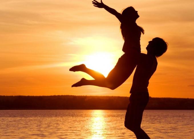 С чего начинаются романтические отношения