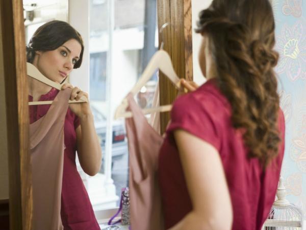 Как подогнать по фигуре платье