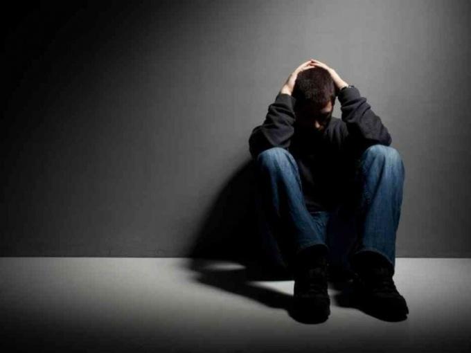 Как определить суицидальные наклонности