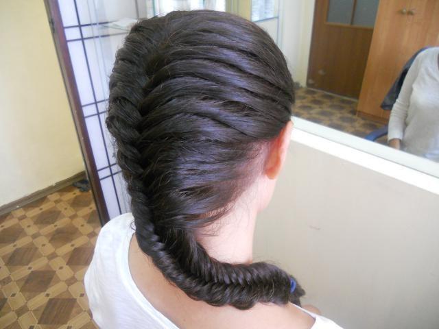 """Как уложить волосы """"рыбьей костью"""""""