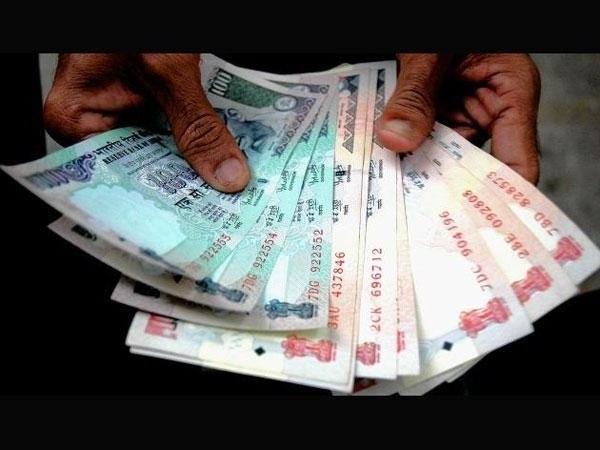Как снять доллары с рублевого счет