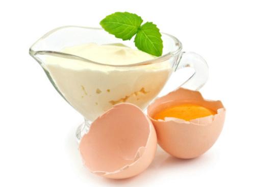 добавить майонез и яйца