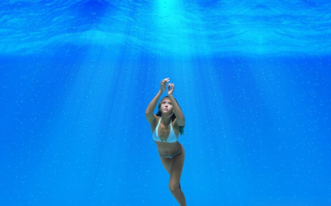 How to learn to hold your breath under water for a long time