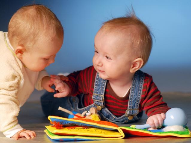 Как развлечь ребенка 7-ми месяцев