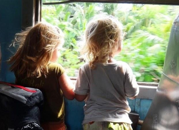Как ехать в поезде с ребенком 1,5 лет