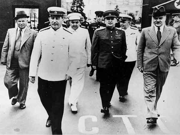 Хрущев, Сталин, Маленков, Берия, Жуков, Молотов