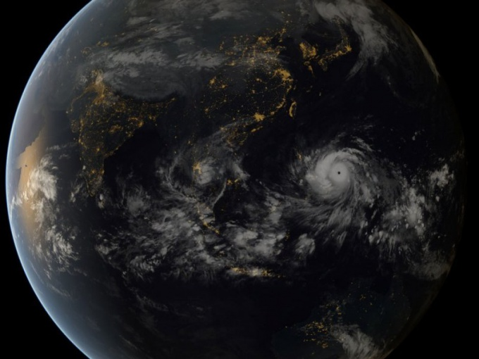 Вид тайфуна Хайян из космоса.