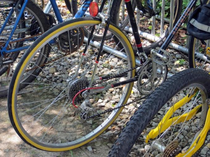 Велосипед с механизмом переключения скоростей