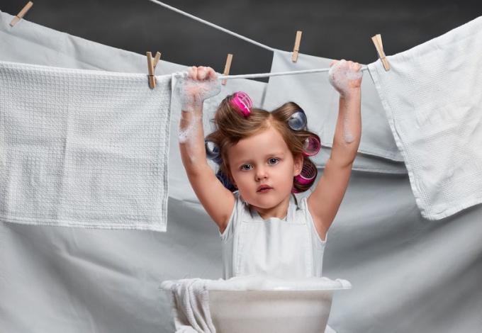 В какой воде следует полоскать белье: горячей или холодной