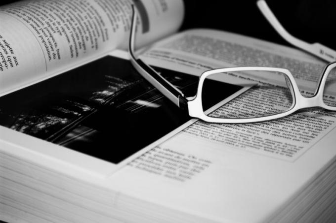 Какие художественные книги написаны об олигархах