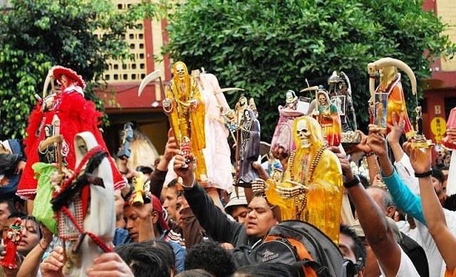 Празднование Дня мертвых в Мексике