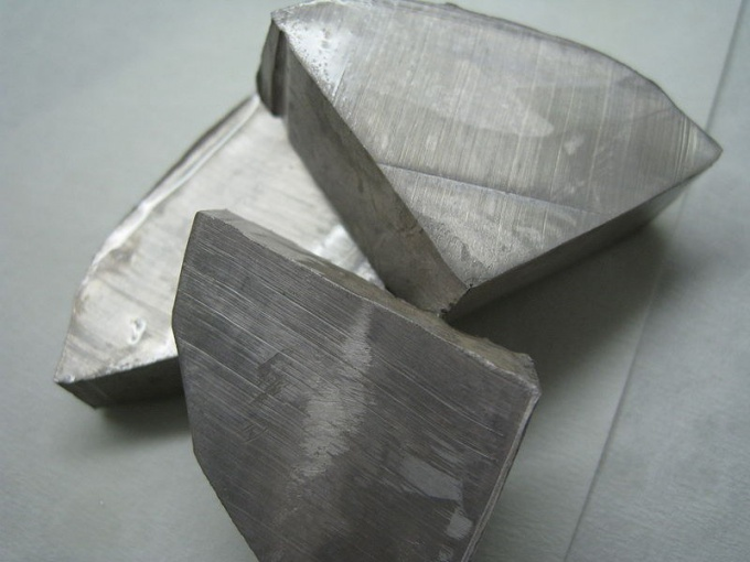 Натрий - яркий представитель щелочных металлов