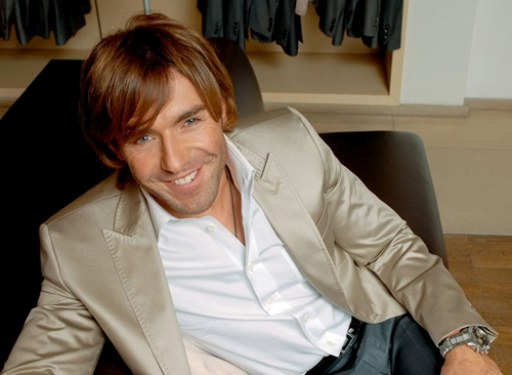 What transmission is Andrey Malakhov