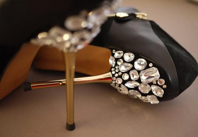 Чем можно украсить туфли