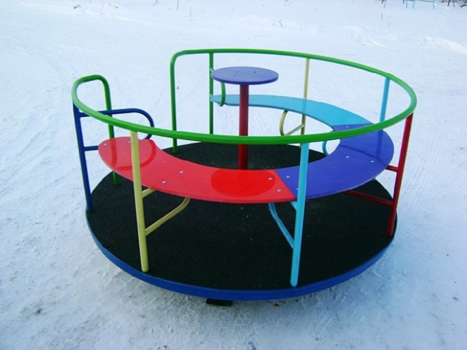 How to make a carousel for children Playground with their hands