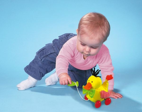 What should know and be able child 1 year and 4 months