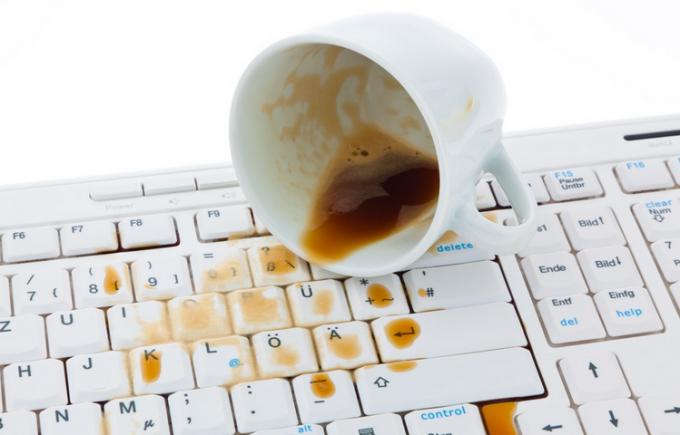 Почему не работает клавиатура на ноутбуке