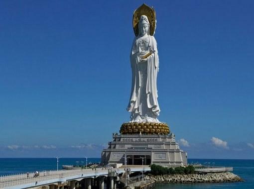 Статуя богини Гуаньинь — самая большая женская скульптура
