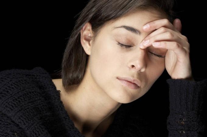 Цефалгический синдром: виды головных болей, диагностика и лечение