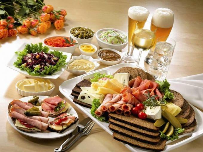 Вкусные и оригинальные закуски - украшение стола