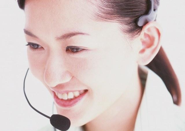 Часто администраторам приходится общаться с клиентами по телефону