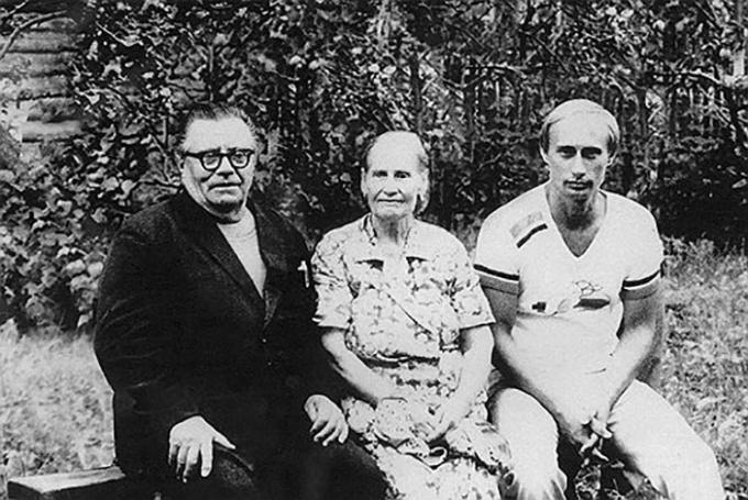 Родители В.В. Путина уважали и любили друг друга