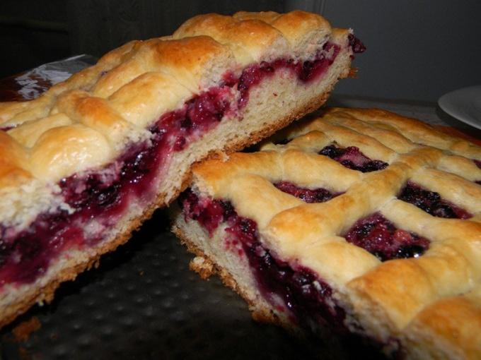 Как приготовить вкусный пирог с вареньем из смородины