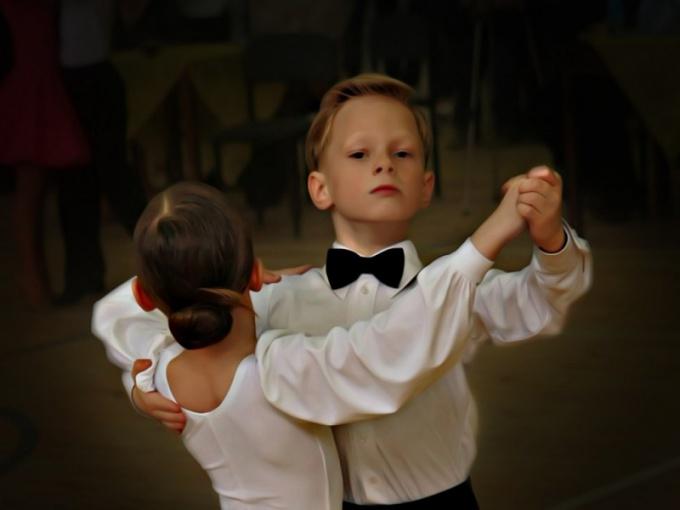Бальные танцы для мальчиков - плюсы и минусы