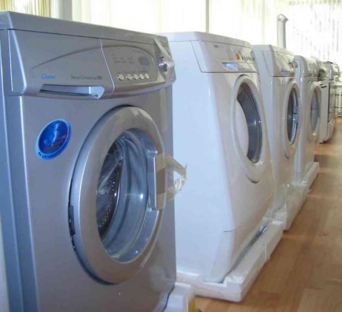 В магазинах всегда представлены стиральные машины нескольких производителей
