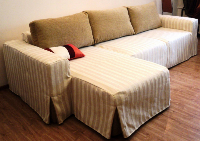 Покрывала и чехлы на угловые диваны